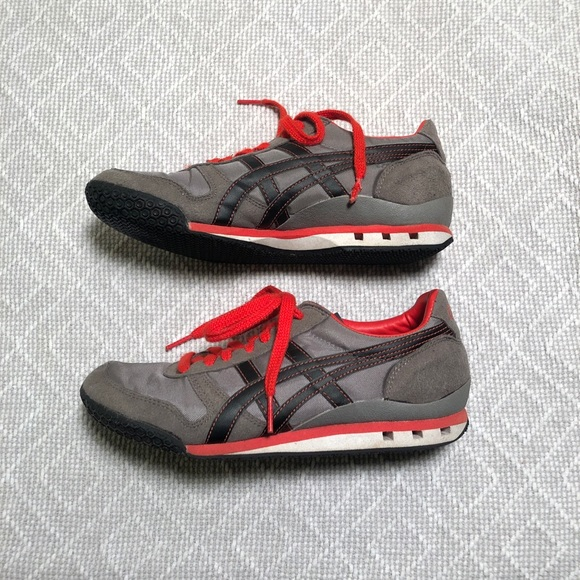 low cost a911c 79942 Asics Onitsuka Tiger Ultimate 81 Grey, Black & Red